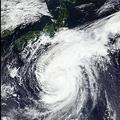 自律神経が活性化…台風の「低気圧」で体調が悪い人の特徴