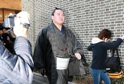 日馬富士引退だけでは終わらない(写真:時事通信フォト)
