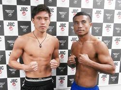 再起を目指す伊藤雅雪(左)。ライト級でインドネシアのマナカネと対戦する