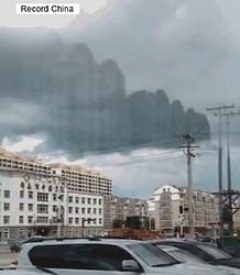 黒龍江省ハルビン市で壮大な蜃気楼現象が発生した。
