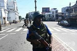 スリランカ・コロンボで警備に当たる治安当局者(2019年4月22日撮影、資料写真)。(c)Jewel SAMAD / AFP