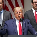 米ホワイトハウスで経済に関する記者会見を開いたドナルド・トランプ大統領(2020年6月5日撮影)。(c)Mandel NGAN / AFP
