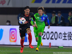 浦和レッズDF鈴木大輔(左)
