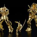 ガンダム&シャア専用ザクII、24金製の純金像が登場 値段に驚き