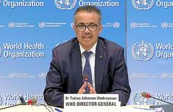 29日、スイス・ジュネーブの世界保健機関(WHO)本部で記者会見するテドロス・アダノム事務局長=国連のインターネット放送UNWebTVの映像から