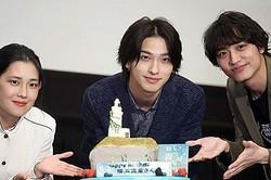もうすぐ23歳!横浜流星(写真中央)