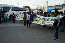 学生大量行方不明事件の被害を訴えるデモ Photo by Cristian Leyva/NurPhoto via Getty Images