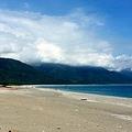 9日、中国外交部の耿爽報道官は、台湾・花蓮市で発生した地震で、日本政府関係者が台湾政府関係者に対して用いた呼称について不快感を示した。写真は花蓮のビーチ。
