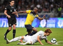 グループ最下位での敗退が決まったエクアドル。エースのE・バレンシアも不発に終わった。(C)Getty Images