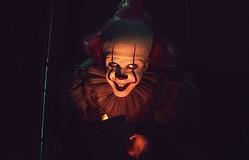 『IT』ビル・スカルスガルド、「娘の部屋にはペニーワイズがいっぱい!」
