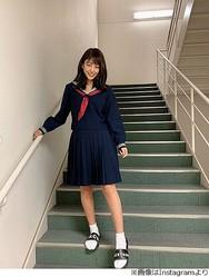 """岡副麻希の""""憧れ""""セーラー服姿に絶賛"""