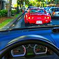 鳴らし方によっては法令違反に 車のクラクションの正しい使い方