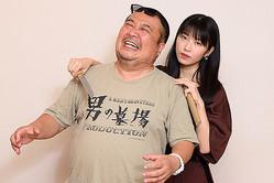 舞台『仁義なき戦い』で主役の広能昌三を演じる横山由依に、過去に『仁義なき戦い』研究本を出版した杉作J太郎が魂を叩き込む!