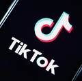 動画投稿アプリTikTokを使えば、BGM入りの15秒の動画が作成できる。 Chesnot/Getty Images