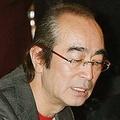 スモーカーで酒豪としても知られる志村。生活習慣も重症化に影響したのか…