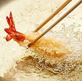 中国国内でも天ぷらを食べることはできるのだが、多くの人がおいしくないと感じている。なぜならそれは、本場日本の作り方ではないからだ」と、中国メディアは日本で食べる天ぷらを称賛した。(イメージ写真提供:123RF)