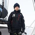 大西洋横断に向け双胴船に乗るスウェーデンの環境活動家グレタ・トゥンベリさん=13日、米バージニア州ハンプトン(AFP時事)