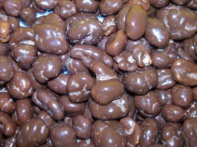 [画像] 誕生のきっかけは?昔から人気の駄菓子「麦チョコ」は、なぜ日本の定番お菓子になったのか?