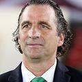 アルゼンチン人の名将、アントニオ・ピッツィ監督。この決戦に賭ける思いは非常に強い。 (C) REUTERS/AFLO