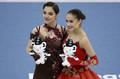 エフゲニア・メドベージェワとアリーナ・ザギトワ(写真:Getty Images)