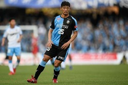 大卒1年目の昨季にいきなりブレイクした守田。アジアカップでの活躍も期待されていたが、無念の負傷離脱となった。写真:金子拓弥(サッカーダイジェスト写真部)