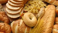 「もっと食べたい」が止まらなくなる?!砂糖や小麦粉と生理の関係