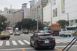 福岡市中心部の天神ではビル30棟を建て替えて店舗やオフィスの面積を増やす「天神ビッグバン」構想が進行している(2020年11月撮影)