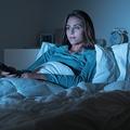 テレビつけたまま寝ると肥満に 人工光への接触がホルモンに悪影響