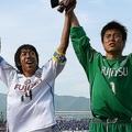 川崎で共にプレーした中村(左)と川島(右)。写真は2007年当時。(C)SOCCER DIGEST