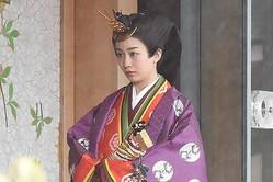 佳子さまの十二単姿にSNS話題「麗しい」「お人形さんみたい」