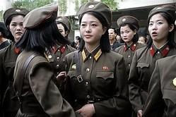 朝鮮人民軍の女性兵士(資料写真)