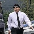 11日朝、自宅マンションから現れた稲垣啓太は、丸の内仲通りで行われたラグビー日本代表パレードに向かった