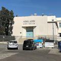 米カリフォルニア州ハリウッドにあるガードナーストリート小学校の「マイケル・ジャクソン講堂」(2019年4月25日撮影)。(c) Javier TOVAR / AFP