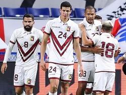 ベネズエラはエースのロンドン(右から2人目)を中心にアグレッシブな攻撃を披露した。 写真:茂木あきら(サッカーダイジェスト写真部)