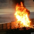 20F1第15戦バーレーンGP決勝。クラッシュを起こして炎上したハースのロマン・グロージャンのマシン(2020年11月29日撮影)。(c)HAMAD I MOHAMMED / POOL/ AFP