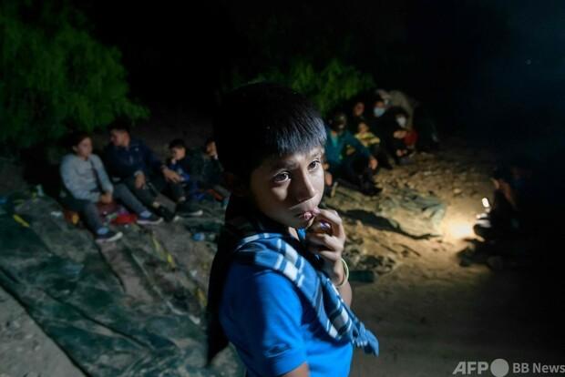 [画像] 「一人で来ました」 12歳でグアテマラから1か月…米国境に子ども移民の波
