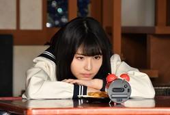浜辺美波「中学生として制服を着ました」 『アリバイ崩し承ります』のオリジナルストーリーが配信決定