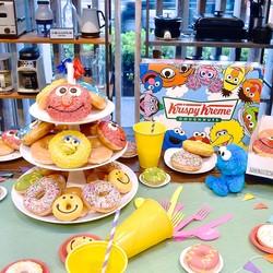 【実食レポ】セサミストリートの仲間たちがかわいいドーナツに!クリスピー・クリーム・ドーナツ「KRISPY KREME meets SESAME STREET」