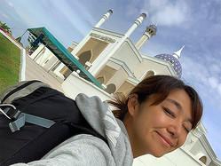首都バンダルスリブガワンにあるブルネイ空港。着いたらいきなりモスクあり!