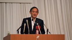 6月16日、秋田市内のホテルで開かれた中泉松司参院議員(候補)の総決起集会に駆けつけ、応援演説を行う菅官房長官