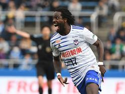 8日に契約更新発表も…新潟、昨季35試合出場カウエと契約解除「素晴らしい時間は忘れません」