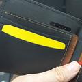 スリの顔を自動で撮影 カメラとSIMを内蔵したスマート財布
