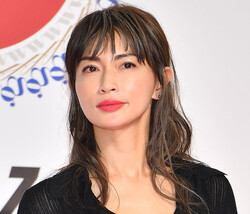 もはや離婚は不可避か…長谷川京子が許せなかった夫の「屈辱的なおねだり」