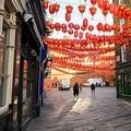 人けのなくなった英ロンドンの中華街(2020年2月4日撮影)。(c)JUSTIN TALLIS / AFP