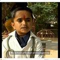 医師を目指す19歳のガネーシュさん(画像は『Born Different 2021年1月25日付Facebook「At just 3ft tall and weighing only 15kg, 19-year-old Ganesh is set to become the world's shortest doctor」』のスクリーンショット)