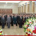 金正恩夫妻が錦繍山太陽宮殿を参拝して(2021年9月10日付朝鮮中央通信)