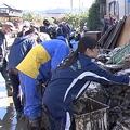 千曲川の堤防決壊で甚大な被害の長野市 ボランティア1390人も「足りない」