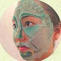 仏像のお顔をモチーフにしたフェイスパックのインパクト