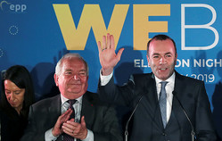 欧州議会選、二大会派過半数割れ 要職巡り駆け引き始まる