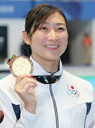 闘病を続けながら4月に日本大学に進学するという池江選手(写真/時事通信社)